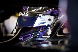 Lewis Hamilton, Mercedes in garage