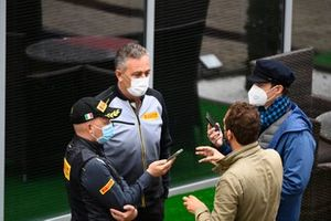 Mario Isola, Racing Manager, Pirelli Motorsport, spreekt de media toe