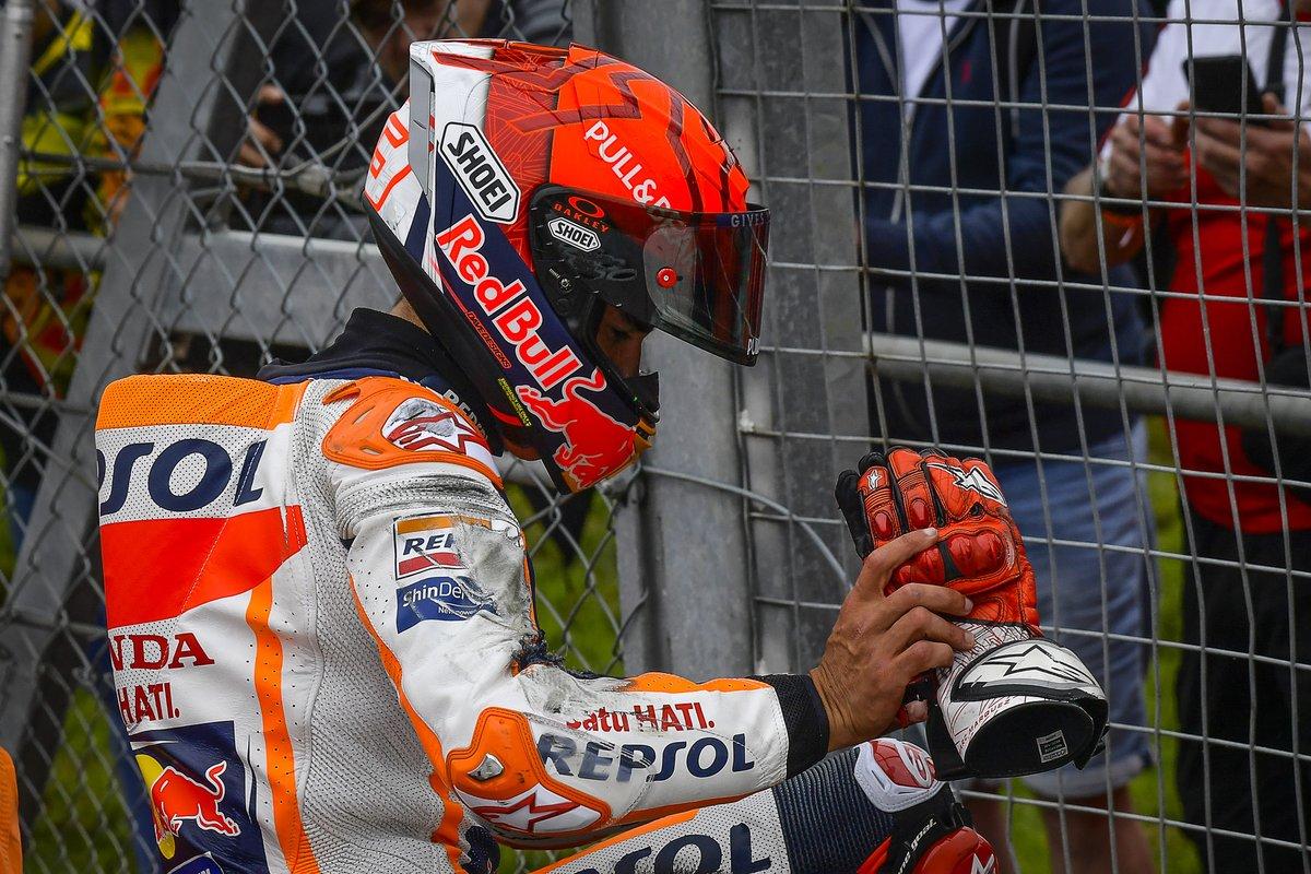 Marc Márquez, Repsol Honda Team, se cae en el GP de Gran Bretaña