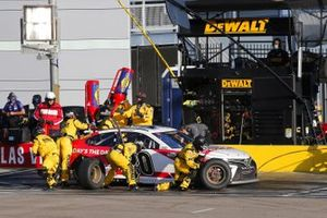 #20: Erik Jones, Joe Gibbs Racing, Toyota Camry Today's The Day pit stop