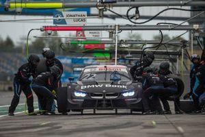 Lucas Auer, BMW Team RMG, BMW M4 DTM, pitstop