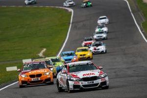 #695 BMW M240i Racing Cup: Heiko Eichenberg, Moritz Oberheim