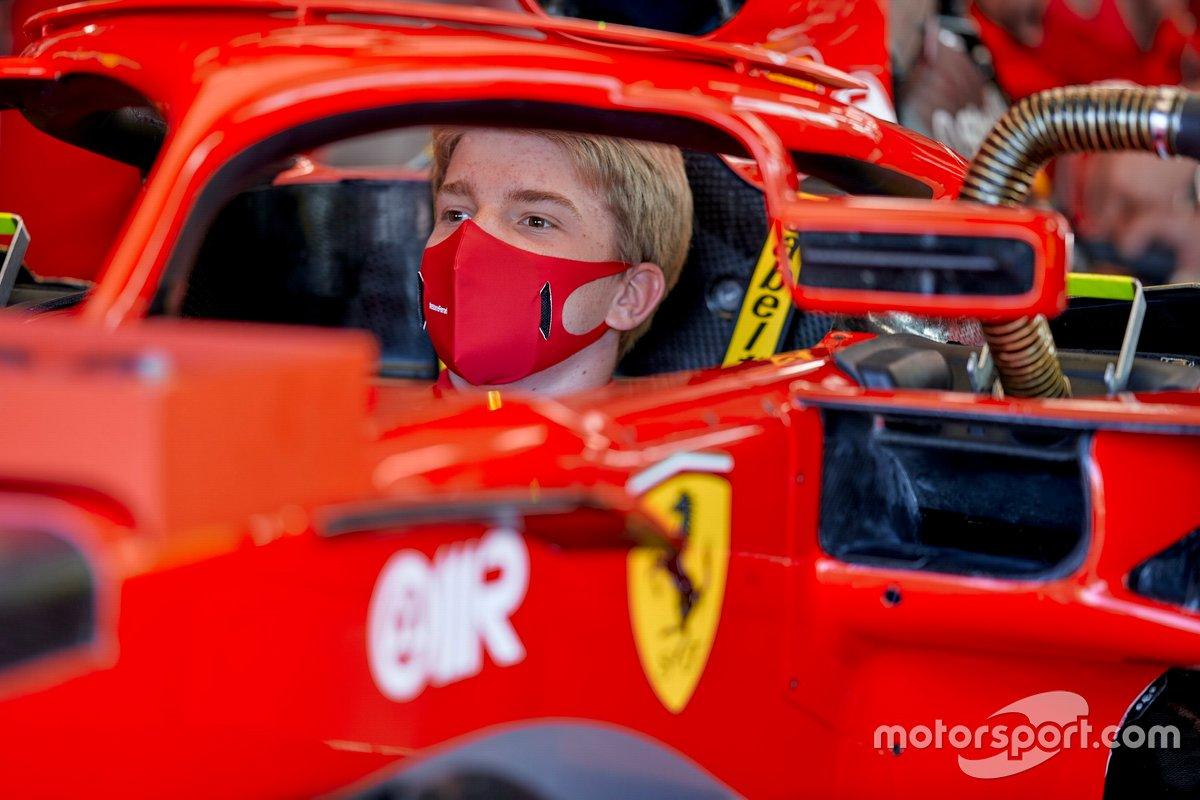 Robert Shwartzman, Ferrari Sürücü Akademisi