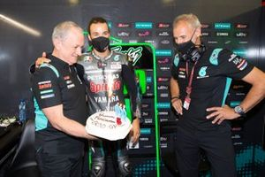 Franco Morbidelli, Petronas Yamaha SRT crew chief Ramon Forcada viert zijn 500ste race