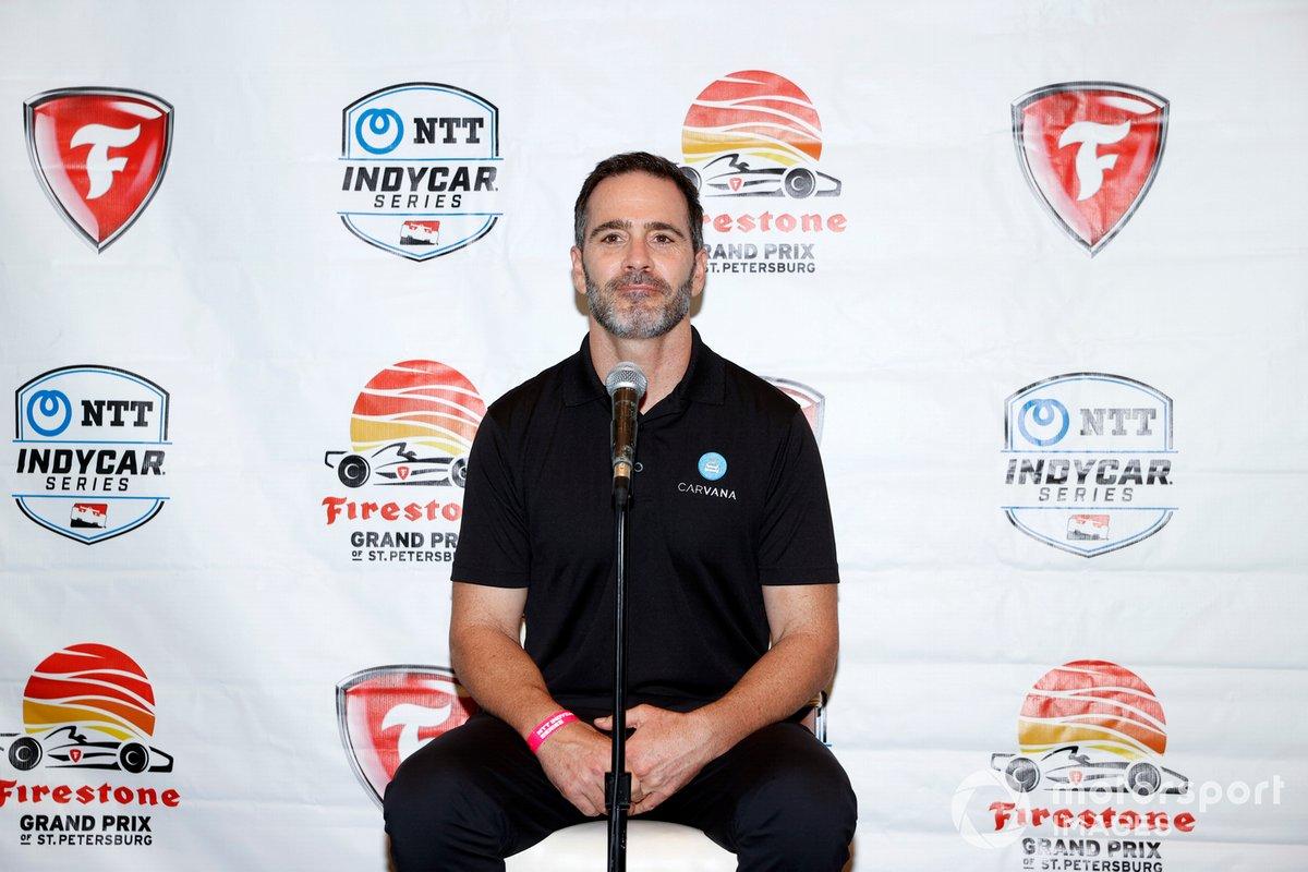 Jimmie Johnson y Chip Ganassi, Chip Ganassi Racing Honda anuncian que Johnson competirá en IndyCar en 2021
