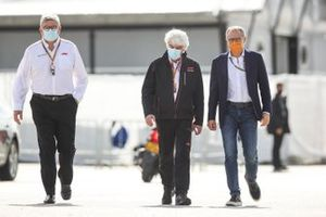 Ross Brawn, Managing Director of Motorsports, FOM and Stefano Domenicali, Chief Executive FOM