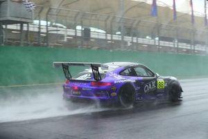 GT3 Cup acelerou em baixo de muita chuva
