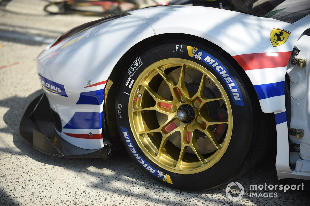 #63 Weathertech Racing - Ferrari 488 GTE EVO, detail