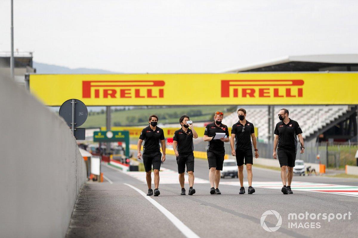Romain Grosjean, Haas F1 cammina in pista