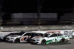 Kevin Harvick, Stewart-Haas Racing, Ford Mustang Hunt Brothers Pizza John H. Nemechek, Front Row Motorsports, Ford Mustang Safeway
