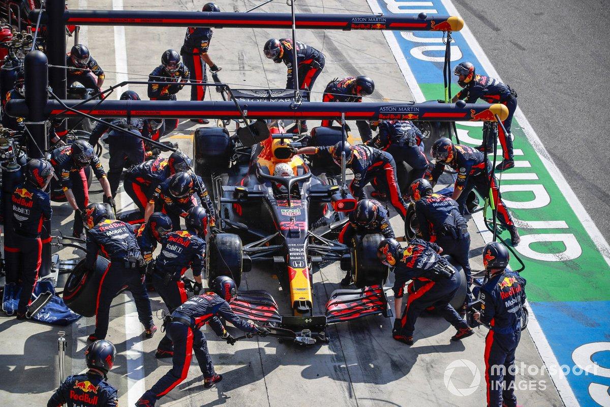 Max Verstappen, Red Bull Racing RB16, effettua una fermata