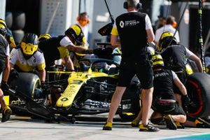 Daniel Ricciardo, Renault F1 Team R.S.20, pit stop