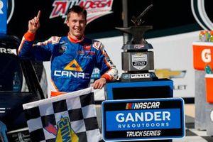 Race winner Raphael Lessard, Kyle Busch Motorsports, Toyota Tundra