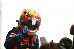 Race winner Yuki Tsunoda, Carlin