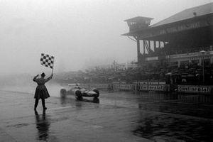 Jackie Stewart, Matra MS10