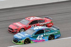 Matt Kenseth, Chip Ganassi Racing, Chevrolet Camaro AdventHealth, Matt DiBenedetto, Wood Brothers Racing, Ford Mustang Menards/Wrangler