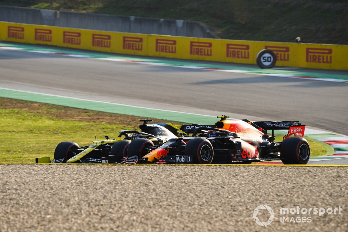 Daniel Ricciardo, Renault F1 Team R.S.20, Alex Albon, Red Bull Racing RB16