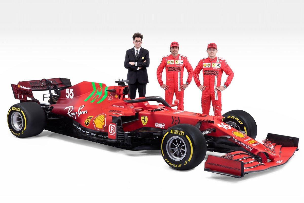 Charles Leclerc, Ferrari, Carlos Sainz Jr., Ferrari, Mattia Binotto, Team Principal Ferrari