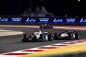 Ralph Boschung, Campos Racing, leads Guilherme Samaia, Charouz Racing System