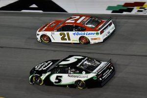 Kyle Larson, Hendrick Motorsports, Chevrolet Camaro NationsGuard Matt DiBenedetto, Wood Brothers Racing, Ford Mustang Motorcraft/Quick Lane