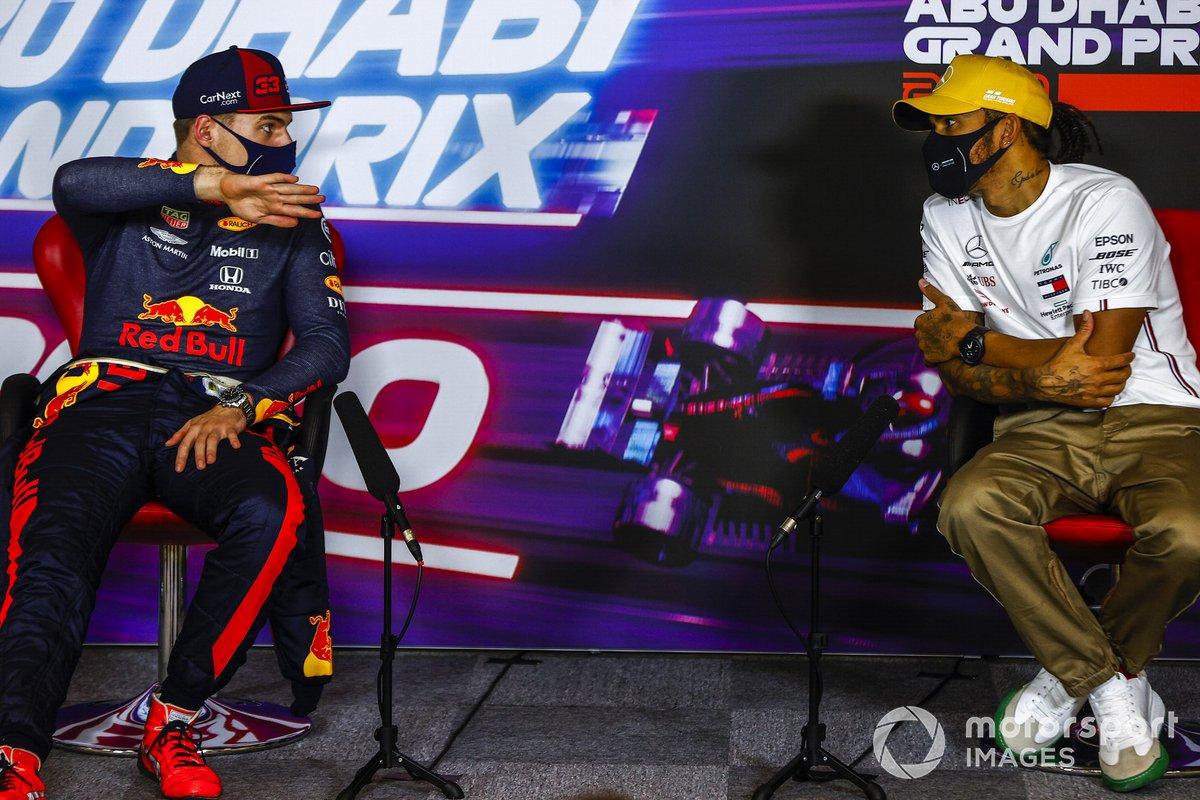 Max Verstappen, Red Bull Racing, Lewis Hamilton, Mercedes-AMG F1, en la conferencia de prensa después de la carrera
