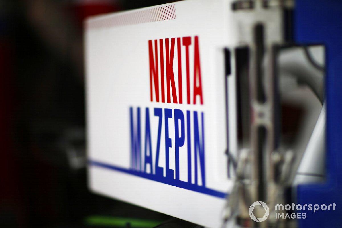 Le nom de Nikita Mazepin sur l'équipement Haas