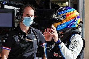 Karel Loos, ingénieur de course pour Alpine F1 et Fernando Alonso