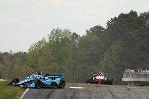 Crash: Max Chilton, Carlin Chevrolet, Josef Newgarden, Team Penske Chevrolet