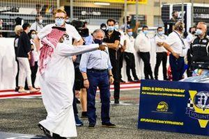 Sheikh Abdullah bin Hamad bin Isa Al Khalifa en Jean Todt, President, FIA, op de grid