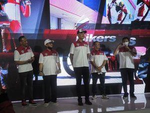 Febby Sagita, Direktur Operasional, M Rapsel Ali, Ketua Mandalika Racing Team Indonesia (MRTI), Dimas Ekky, Direktur Tim, Kemalsyah Nasution, Irawan Sucahyono, Direktur Sponsorship