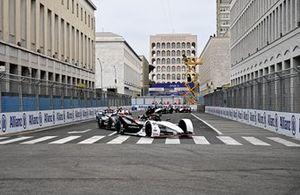 Pascal Wehrlein, TAG Heuer Porsche, Porsche 99X Electric, Stoffel Vandoorne, Mercedes-Benz EQ, EQ Silver Arrow 02