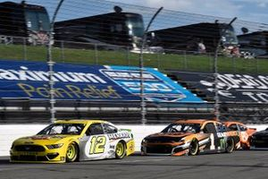 Ryan Blaney, Team Penske, Ford Mustang Menards/Pennzoil and Kurt Busch, Chip Ganassi Racing, Chevrolet Camaro GEARWRENCH