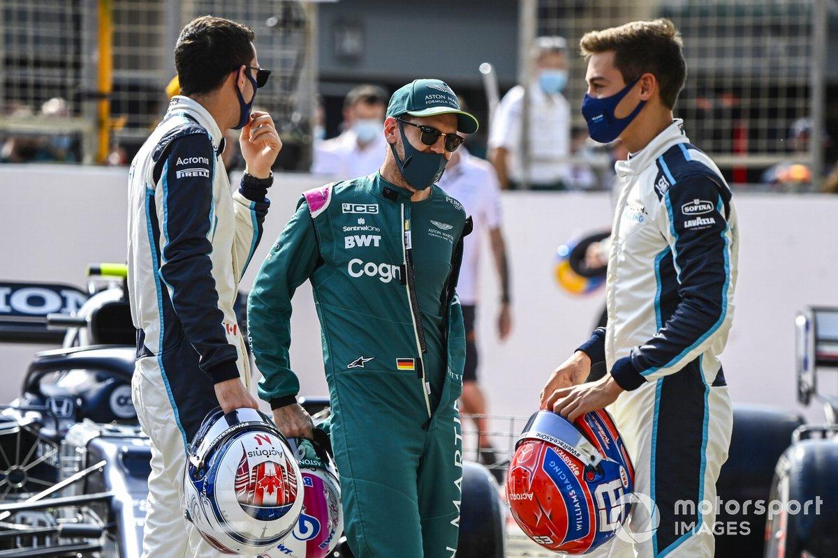 Nicholas Latifi, Williams, Sebastian Vettel, Aston Martin, y George Russell, Williams