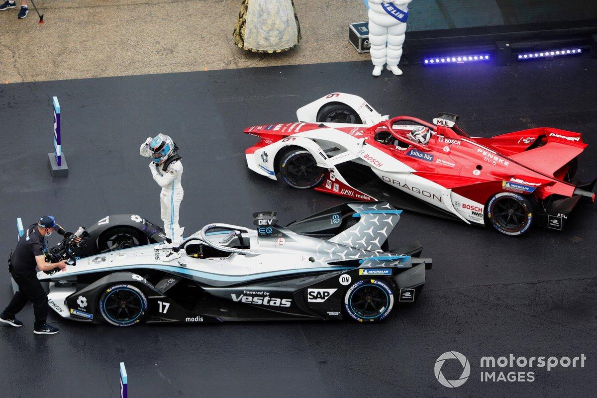 Nyck de Vries, Mercedes-Benz EQ, 1ª posición, celebra