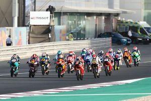 Start action, Gabriel Rodrigo, Team Gresini Moto3 leads