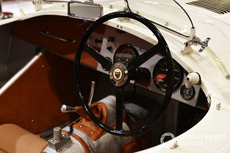 The steering wheel in the Jaguar C-Type
