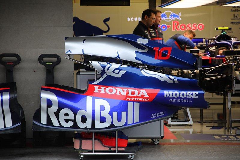Toro Rosso STR14, engine cover