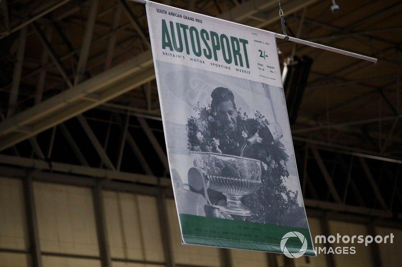 Una copertina storica di Autosport per il 70° anno di pubblicazione
