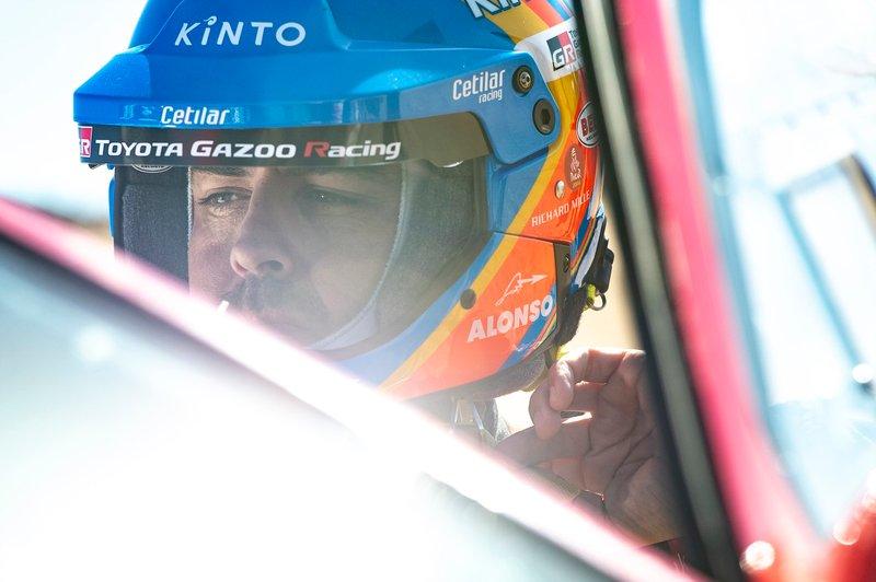 El casco de Alonso en su aventura en el Dakar 2020