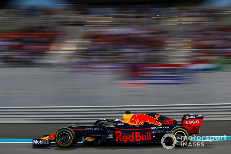 2º: Max Verstappen, Red Bull Racing RB15