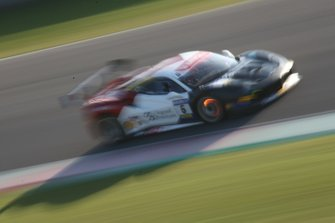 #6 Ferrari 488 Challenge, Charles Pozzi - Courage: Thomas Neubauer