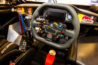 Jamie Whincup, Triple Eight Race Engineering Holden cockpit