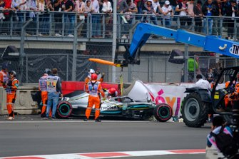 Crash: Vallteri Bottas, Mercedes AMG F1 W10