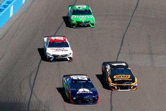Alex Bowman, Hendrick Motorsports, Chevrolet Camaro Axalta, Kurt Busch, Chip Ganassi Racing, Chevrolet Camaro GEARWRENCH