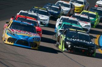 Kyle Busch, Joe Gibbs Racing, Toyota Supra Twix Cookies & Cream Ross Chastain, Kaulig Racing, Chevrolet Camaro Nutrien Ag Solutions