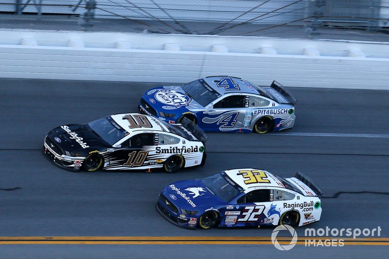 Aric Almirola, Stewart-Haas Racing, Ford Mustang Smithfield, Corey LaJoie, Go FAS Racing, Ford Mustang RagingBull.com and Kevin Harvick, Stewart-Haas Racing, Ford Mustang Busch Light #PIT4BUSCH