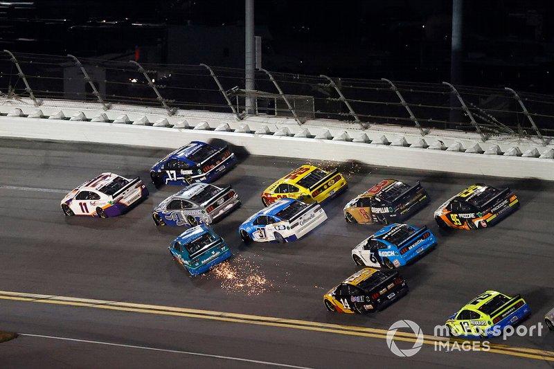 The Big One: choque de Ross Chastain, Spire Motorsports, Chevrolet Camaro, Ryan Preece, JTG Daugherty Racing, Chevrolet Camaro, Tyler Reddick, Richard Childress Racing, Chevrolet