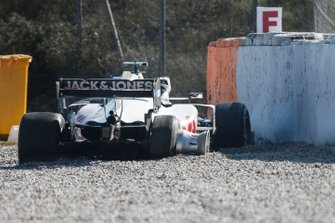 El accidente de Kevin Magnussen, Haas F1 Team VF-20