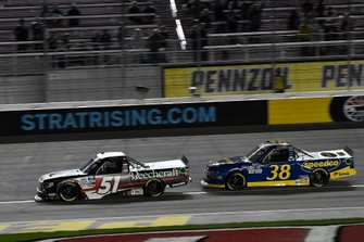 Kyle Busch, Kyle Busch Motorsports, Toyota Tundra Cessna, Todd Gilliland, Front Row Motorsports, Ford F-150 Black's Tire