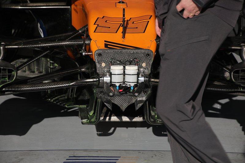 Delantera del McLaren MCL35